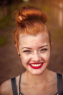 Bildersuche Beispielbild Unsplash: junge Frau